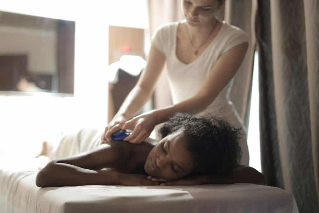 Massage Oils And Their Benefits That You Should Know
